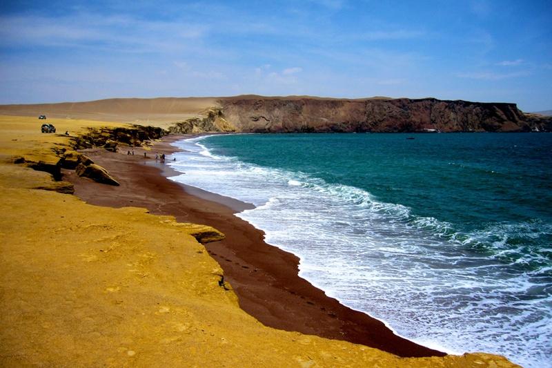 playa_roja_paracas_peru_turismo