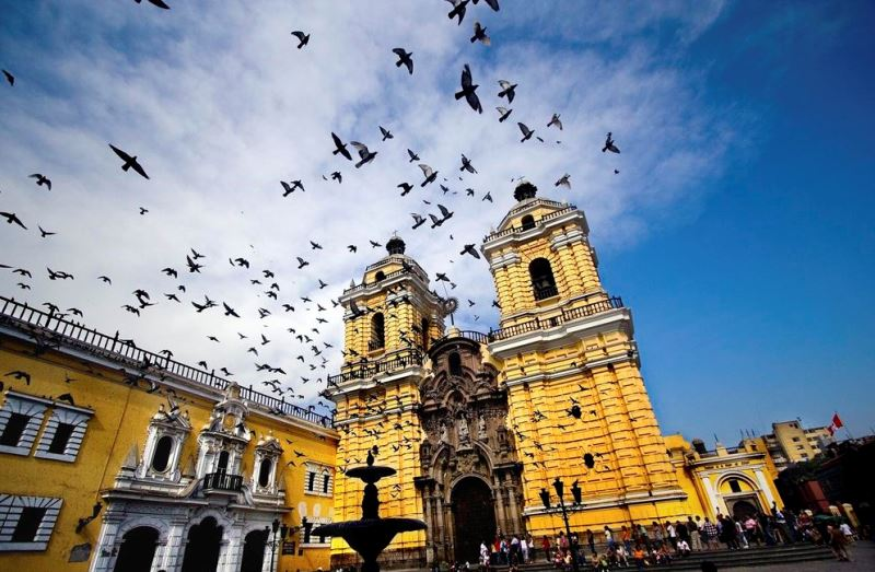 Lima Travel Information and Vacations Guide - Guide tourist and Business of Peru